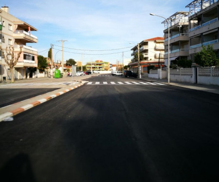 Zona pavimentada al carrer de Mallorca