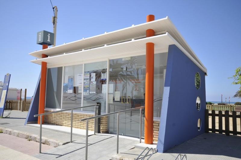 Resultat d'imatges de oficina de turisme platja Cubelles