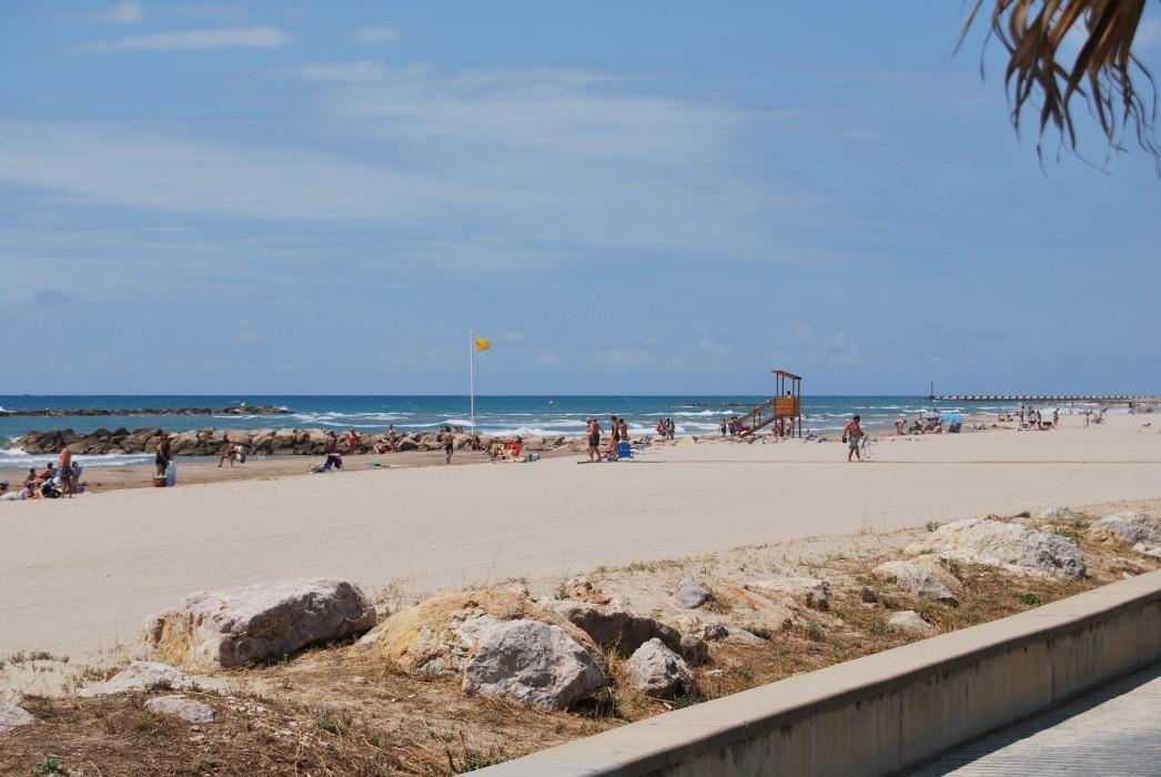 Resultat d'imatges de servei platges Cubelles