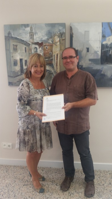 Signada la renovaci del conveni amb el centre de recursos for Oficina de treball renovacio